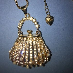 NWT Betsey Johnson Gold & Pearl Purse Necklace